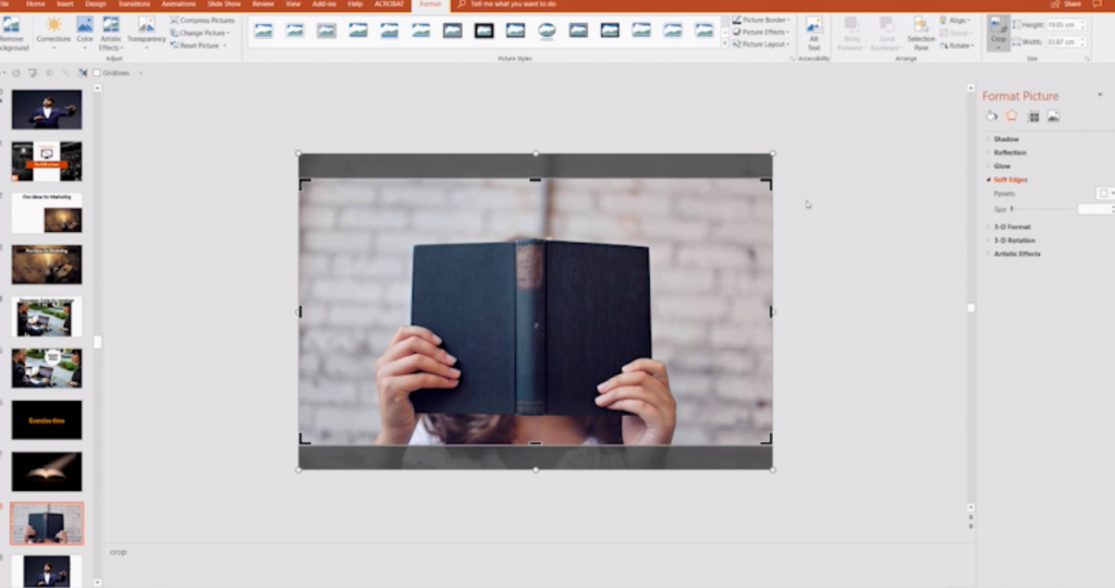 2 ways to scale an image to full-screen form in PowerPoint